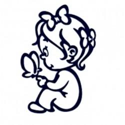 Samolepka na auto se jménem dítěte- malá holka s motýlem
